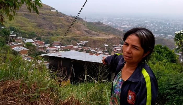 Roof4Roof donates Roofing to Colombian Neighborhood